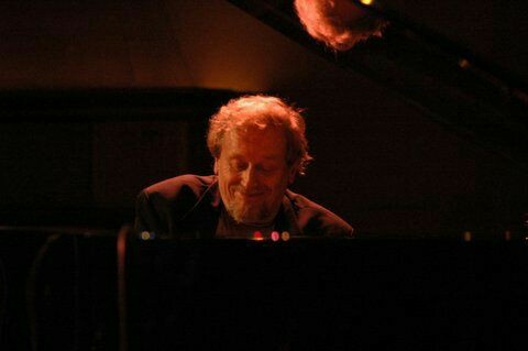 Adam Makowicz playing for the album